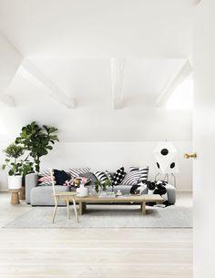 Living room mood inspiration (Carina Seth Andersson för Marimekko. Foto: Petra Bindel, styling: Lotta Agaton)