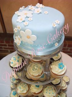 #Blue & #white #daisy #weddingcake #cupcakes email enquiry drcakery@gmail.com