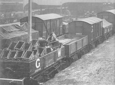 Moor Street Station: A mixture of Great Western Railway open and van wagons on the siding roads at Moor Street Station in May 1915 Best Wagons, Birmingham City Centre, Old Train Station, Standard Gauge, Steam Railway, Covered Wagon, British Rail, Great Western, Rolling Stock