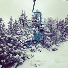 This place 😍 🎿 Ski Magazine, Ski Club, Racing Events, Ski Resorts, East Coast, Vermont, Acre, Skiing, Mad