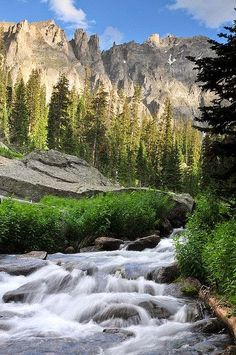 Rocky Mountains of Colorado Oh The Places You'll Go, Places To Travel, Places To Visit, Beautiful World, Beautiful Places, Beautiful Pictures, Photos Voyages, Seen, Beautiful Landscapes