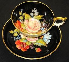 Aynsley Blushy Rose roses-N-Poppy Black Tea cup and saucer