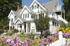 Seacroft Inn - Bar Harbor Inn- was Seacroft built by the Bowler family in BAr Harbor. only on of four extant.