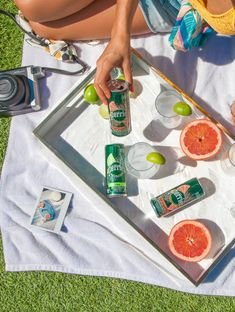 Have An Extraordinary Day With Perrier Perrier Carbonated Mineral Water has always been my go to when craving something. Agua Mineral, Mineral Water, Water Aesthetic, Beauty Shoot, Exotic Fruit, Water Photography, Kombucha, Brand Packaging, Drinking Water