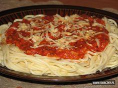Piątkowe #spaghetti - ojjj można się najeść :)  http://www.smaczny.pl/przepis,pyszne_spaghetti  #przepisy #daniegłówne #obiad #pomidory #makaron #żółtyser #czosnek #oliwa