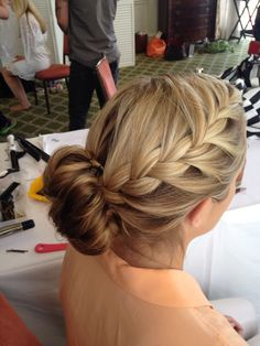 Hair styling and airbrush makeup company in Houston Texas - braids