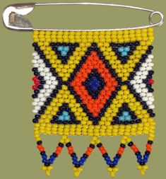 Zulu Love Letters are African Beaded Messages given by the Zulu Maidens to their lovers as symbols of their love and affection - each color conveys a different meaning. Tribal Patterns, Beading Patterns, Homemade Necklaces, African Crafts, Beadwork Designs, African Beads, African Jewelry, African Design, Loom Beading