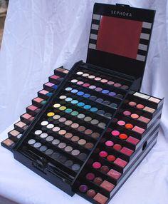Makeup Kit For Kids, Kids Makeup, Makeup Storage, Makeup Brush Set, Bh Cosmetics Eyeshadow, Colourpop Cosmetics, Sephora Makeup Kit, Makeup Bouquet, Contour Makeup