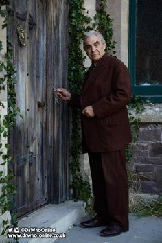 David Suchet cast as the role of 'The Landlord' for an episode written by Mike Bartlett for #DoctorWho Series 10!