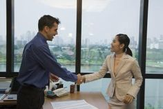 Use These Techniques to Introduce Yourself at a Job Interview: How to Introduce Yourself at a Job Interview