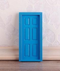 Puerta azul ratoncito Pérez