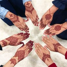 E N N A C I R C L E This was one of my favorite henna circle! I was using my magical Special Bride cone for all of them and Inai Celup
