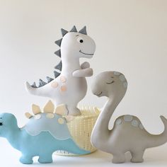 Wooden Projects, Craft Projects, Dino Craft, Felt Banner, Arts And Crafts, Paper Crafts, Baby Sewing Projects, Dinosaur Toys, Hand Applique