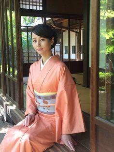 The Kimono Gallery: Maki Horikita Japanese Costume, Japanese Kimono, Japanese Girl, Traditional Kimono, Traditional Outfits, Japanese Outfits, Japanese Fashion, Japanese Beauty, Asian Beauty