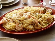 Food Network: Recipe of the Day: Tyler's Shrimp Scampi with Linguine Tyler's rich, lemony pasta dinner . Shrimp Dishes, Fish Dishes, Pasta Dishes, Main Dishes, Seafood Recipes, Pasta Recipes, Dinner Recipes, Cooking Recipes, Shellfish Recipes