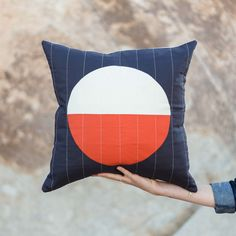 Chisos Pillow by Vacilando Quilting Co.