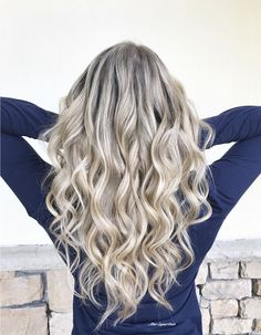 Blonde hair, blonde highlights, dimensional blonde, ashy blonde, ombré, sombre