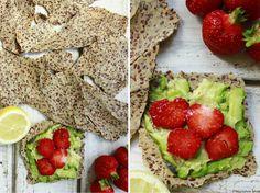 Delicious blog: Pohankové krekry Delicious Blog, Savory Snacks, Eat Right, Avocado Toast, Crackers, Foodies, Vegan Recipes, Paleo, Vegetarian