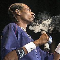 Does Snoop Really Smoke 81 Blunts A Day?