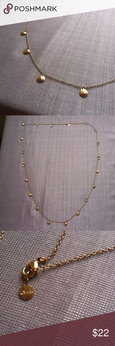 Stella & Dot simple necklace Stella & Dot simple necklace. In amazing condition. Very simple and delicate piece. If you like something very minimal, you will love this!! Can be worn with anything! I would suggest a plain dress to make it pop. Make me an offer I can't refuse!!! I will be heading off to college soon, so I am trying to clear our my closet. Bundle to save more!!! Stella & Dot Jewelry Necklaces