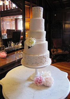 How To Decorate Cakes Best Wedding Cakes And Cake Decorating Courses