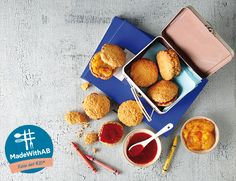 Έτοιμοι για το σχολείο; Ετοιμάζουμε μαζί μπισκότα βρώμης με μαρμελάδα - το πιο γευστικό & υγιεινό σνακ για κάθε στιγμή της ημέρας. #MadewithAB Ethnic Recipes, How To Make, Food, Life, Recipes, Essen, Meals, Yemek, Eten
