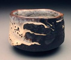 Robert Fornell - black shino chawan Click Visit link for Pottery Bowls, Ceramic Pottery, Pottery Art, Fine Porcelain, Porcelain Ceramics, Painted Porcelain, Porcelain Tile, Hand Painted, Japanese Ceramics