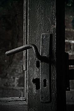 black.quenalbertini: Black Door via Door by Gynt S on 500px