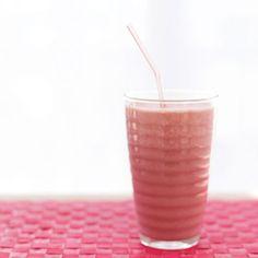 Fruit Smoothie | Healthy Snacks for Breastfeeding Moms | Breastfeeding Diet | BabyZone