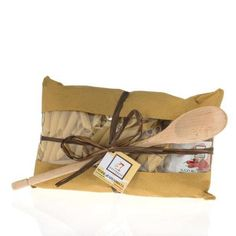 Perfect gift for an Italian cuisine enthusiastic or yourself http://www.italiaregina.it/raffaelli-penne-pasta-arrabbiata-sauce-with-wooden-ladel-gift-set/