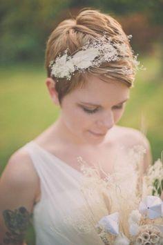 Sposa con i capelli corti: idee per acconciature per le nozze