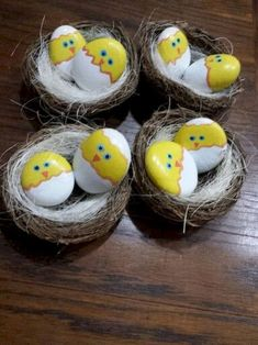 Easy Diy Chicken Painted Rocks Ideas Easter Stone - Easy Diy Chicken Painted Rocks Ideas What Others Are Saying Rock Birds On A Stick Creative Painted Rock Ideas To Do With Your Family Visit Www Livingrichwit To Get Creative Rock Pebble Painting, Pebble Art, Stone Painting, Diy Painting, Egg Shell Painting, Stone Crafts, Rock Crafts, Diy And Crafts, Crafts For Kids