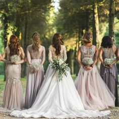 Mismatched Bridesmaid Dresses: 8 Ways to Flawlessly Achieve the Look