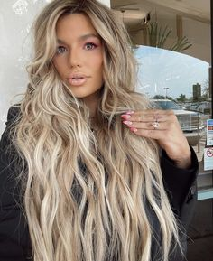 Unique Hairstyles, Pretty People, Long Hair Styles, Makeup, Beauty, Beautiful People, Make Up, Long Hairstyle, Long Haircuts