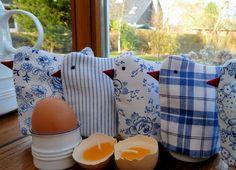 In 3 Wochen ist Ostern. Das ist doch noch Zeit genug, um diese niedlichen Küken zu nähen. Als Mitbringsel zum …