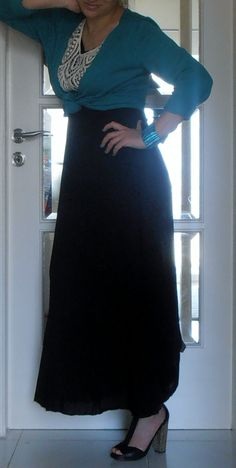 Postpartum fashion maternity wear cute mama outfit lace black white saphire