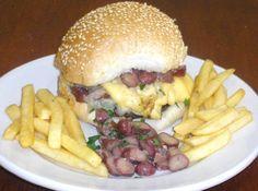 Receita de Hamburguer Vegetariano com Pinhões - hamburguer. Aqueça em uma frigideira e adicione o óleo. Frite por cerca de 2 minutos cada lado. Cozinhar o pinhão descasque, corte em fatias,...