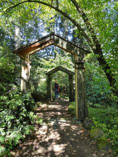 Sampson-Beasley garden OR,  photo Loree Bohl