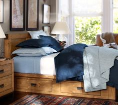 Hendrix Storage Bed http://rstyle.me/n/ecvutr9te