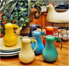 Vintage Fiesta Syrup Pitchers (420 pieces)
