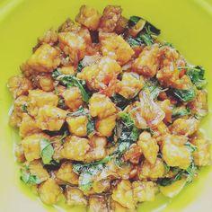 Resep masakan praktis sehari-hari Instagram Cooking Time, Cooking Recipes, Healthy Recipes, Nasi Liwet, Breakfast Menu, Indonesian Food, Diy Food, Pasta Salad, Food Inspiration