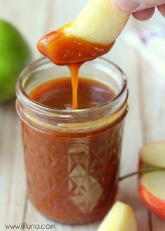 Caramel Apple Dip Delicious Homemade Caramel Apple Dip { } Very easy to make and so yummy!Delicious Homemade Caramel Apple Dip { } Very easy to make and so yummy! Jam Recipes, Canning Recipes, Apple Recipes, Sauce Recipes, Canning Jars, Canning Apples, Canning 101, Cheap Recipes, Puddings