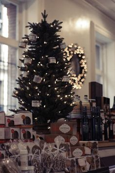 Holiday season in Dean and Deluca, New York City #nyc #holiday  http://skiglari-norppa.blogspot.com