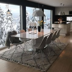 Find images and videos about winter, home and design on We Heart It - the app to get lost in what you love. Dining Room Table Decor, Kitchen Chairs, Dining Room Design, Home Decor Kitchen, Room Kitchen, Home Design Decor, House Design, Interior Design, Sweet Home