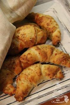 Kermaruusu: Helpot juustosarvet ja pakkaspäivä Savoury Baking, Bread Recipes, Sausage, Bakery, Food And Drink, Potatoes, Snacks, Meat, Vegetables
