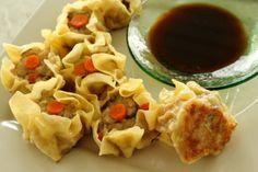 Chicken and Mushroom Siu Mai (China) | PicadoTur - Consultoria em Viagens | Agencia de viagem | picadotur@gmail.com | (13) 98153-4577 | Temos whatsapp, facebook, skype, twiter.. e mais! Siga nos|
