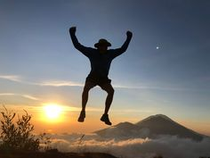 Mount Batur sunrise trek is an incredible experience. If breathtaking views and an endorphin high is up your alley, then read this post first. Rice Terraces, Active Volcano, Rainy Season, How To Stay Awake, Adventure Tours, Best Couple, Tour Guide, Need To Know, Trek