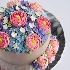 May your day bloom with happiness 😁 .  .  .  .  .  .    #buttercreamcake #cakestagram #instacake #lilbitesid #ciakholiao #cakecakecake #foodphotography #food52 #f52grams #birthdaycake #foodgawker #buzzfeast #eeeeeats #eatandtreats #sgbakes #goodeats #homebaked #huffposttaste #hidupuntukmakan #makanmana #nomnom #vscocam #bonappetit #wiltoncakes #yahoofood #onthetable #cakedecorating #wtfoodies #thekitchn #beautifulcuisines