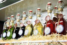 Настойки из облепихи, малины, имбиря, джин на артишоке, крем-лимончелло и другие крепкие напитки Shoppers Guide, Distillery, Lonely Planet, Craft Beer, Great Recipes, Cocktails, Food And Drink, Bottle, Cooking