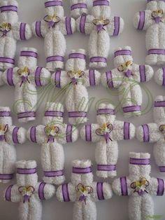 recuerdo cruz de toalla en caja 10 piezas comunión bautizo